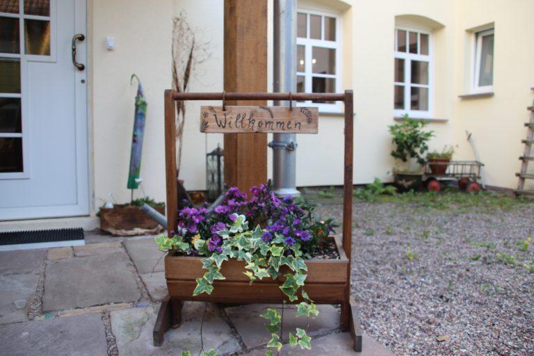 lauenfoerde-seminarhaus-blumen