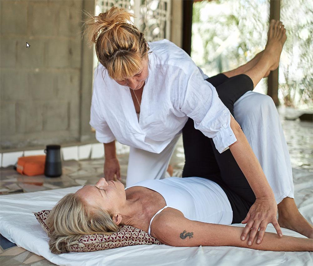 yoga-touch-beine-thai-massage-2