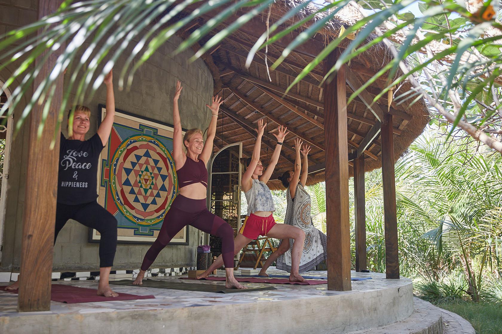 yoga-touch-yoga-held-1